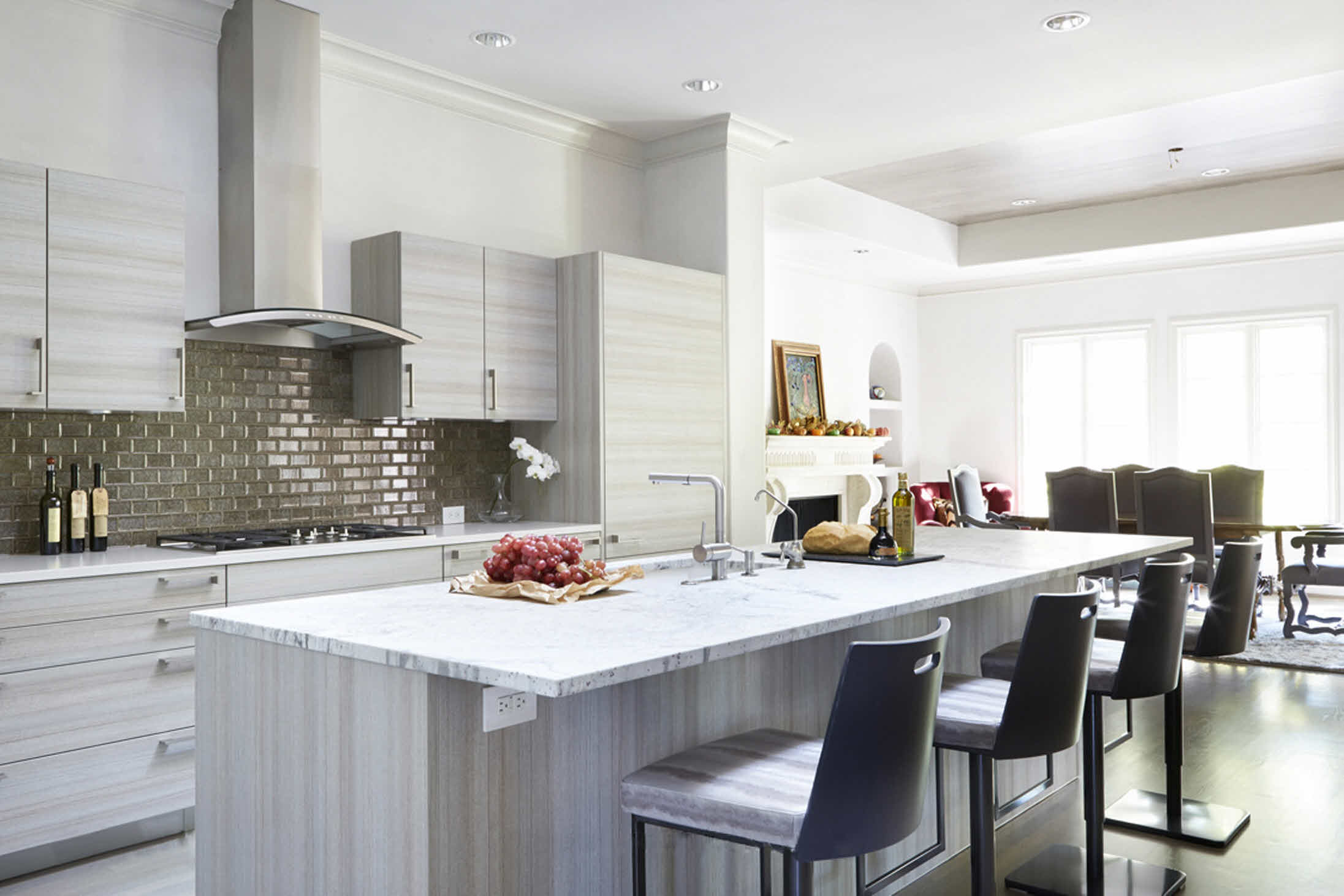Sets the Standard in Contemporary Kitchen Design – DESIGNS UNLIMITED #63493C 2193 1462
